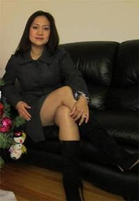 HOME ALONE DIVORCED MRS SONIA OFFERS SGD5,00 FOR BED TIME WITH SEXUALLY STRONG DUDE
